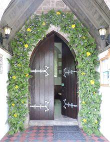garlanded_church_door_tresco.jpg